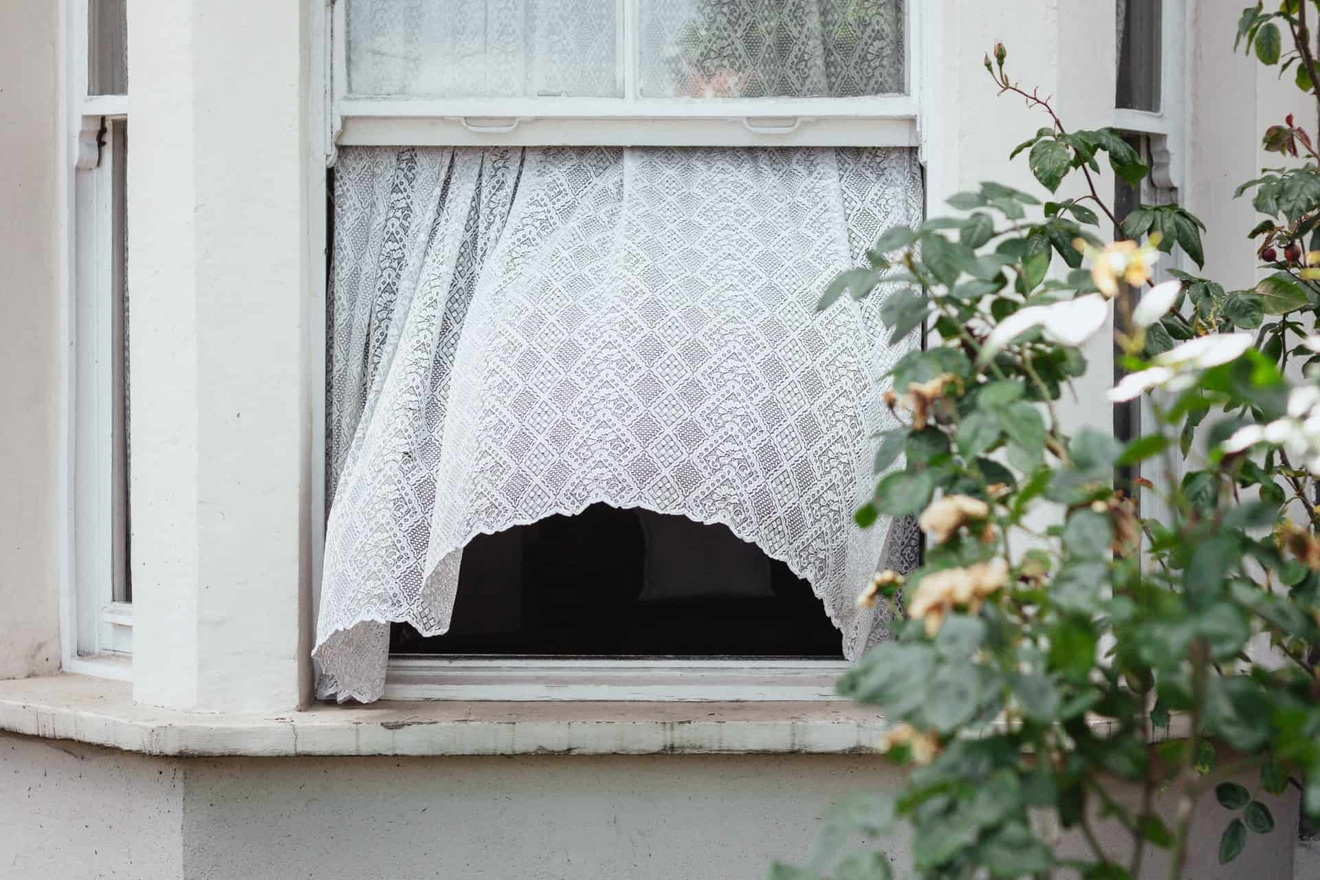 How Long Should You Leave Your Window Open?