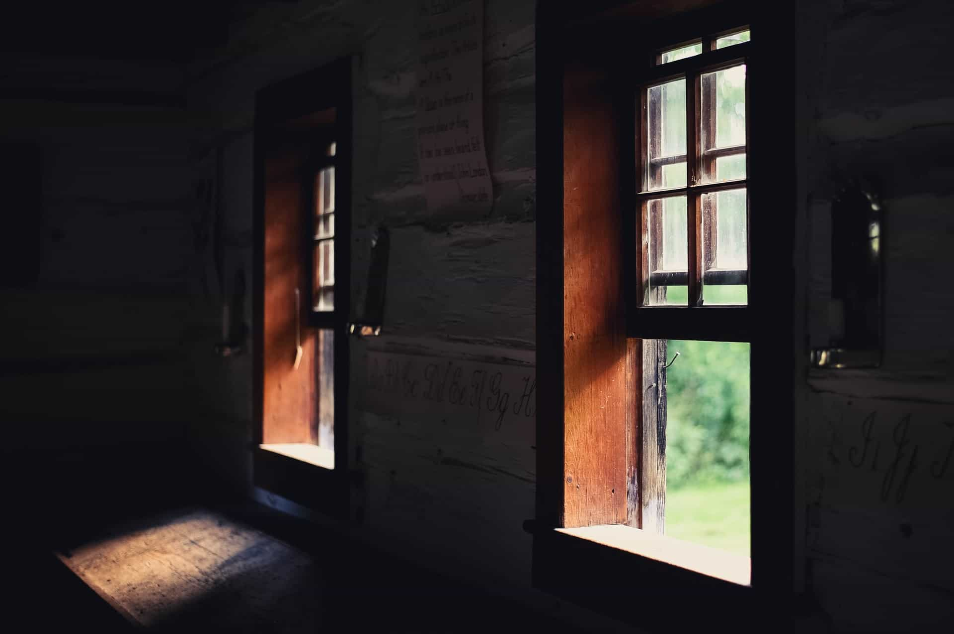 Does Opening Windows Reduce Dust in Your Home
